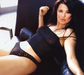 lucy-lawless-07